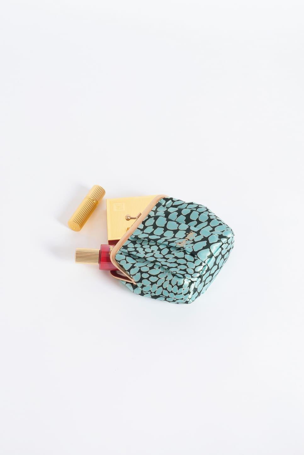 Kisses pouch