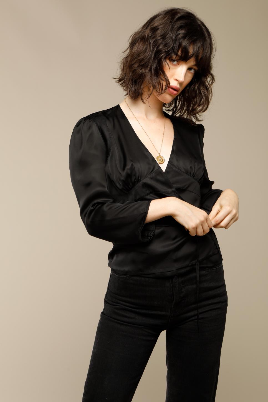 ANNA top in black satin